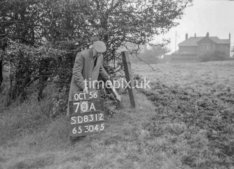 SD831270A, Ordnance Survey Revision Point photograph in Greater Manchester