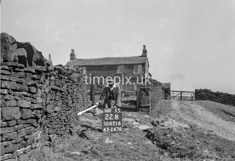 SD871622B, Ordnance Survey Revision Point photograph in Greater Manchester