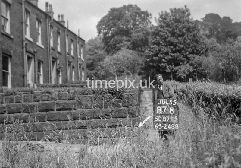 SD871587B, Ordnance Survey Revision Point photograph in Greater Manchester
