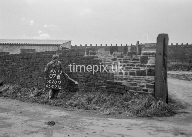 SD881207B, Ordnance Survey Revision Point photograph in Greater Manchester