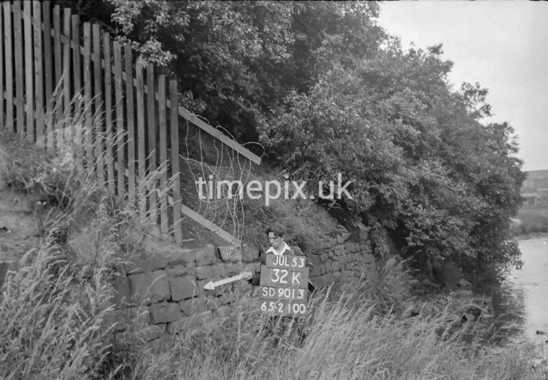 SD901332K, Ordnance Survey Revision Point photograph in Greater Manchester