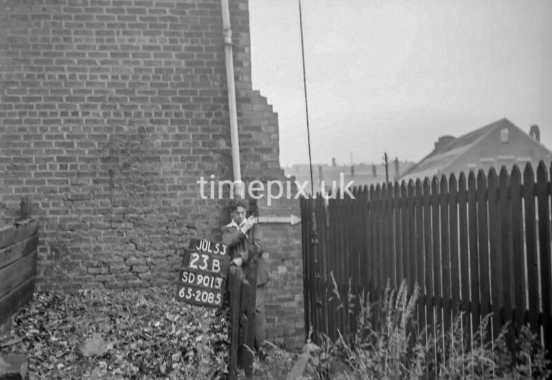 SD901323B, Ordnance Survey Revision Point photograph in Greater Manchester