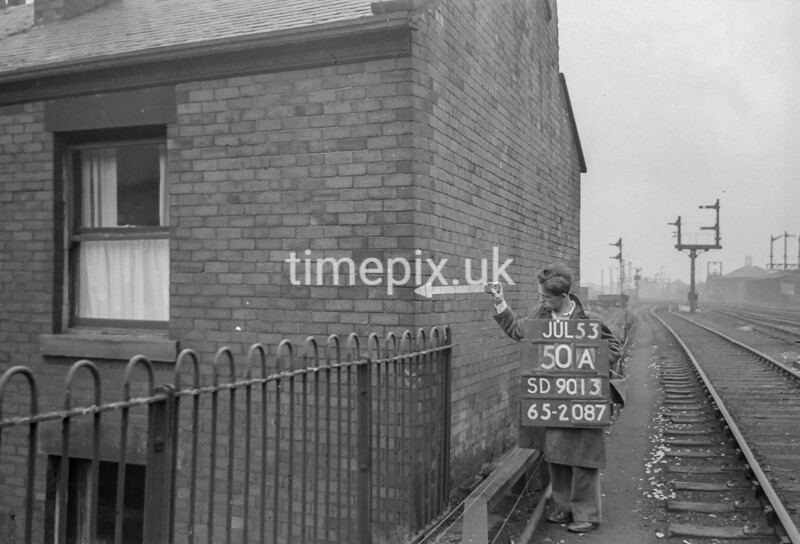 SD901350A, Ordnance Survey Revision Point photograph in Greater Manchester