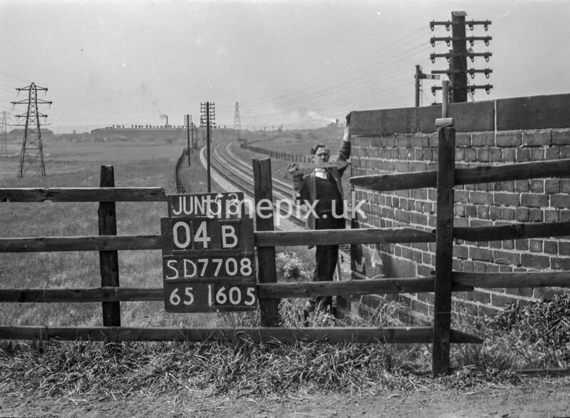 SD770804B, Ordnance Survey Revision Point photograph in Greater Manchester