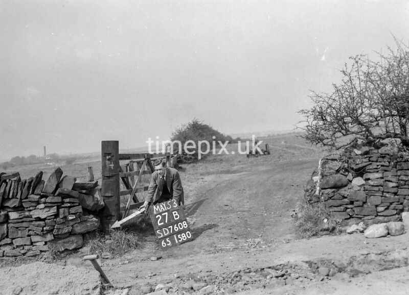 SD760827B, Ordnance Survey Revision Point photograph in Greater Manchester