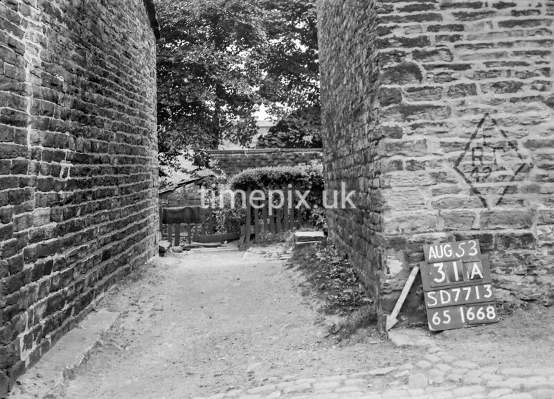 SD771331A, Ordnance Survey Revision Point photograph in Greater Manchester
