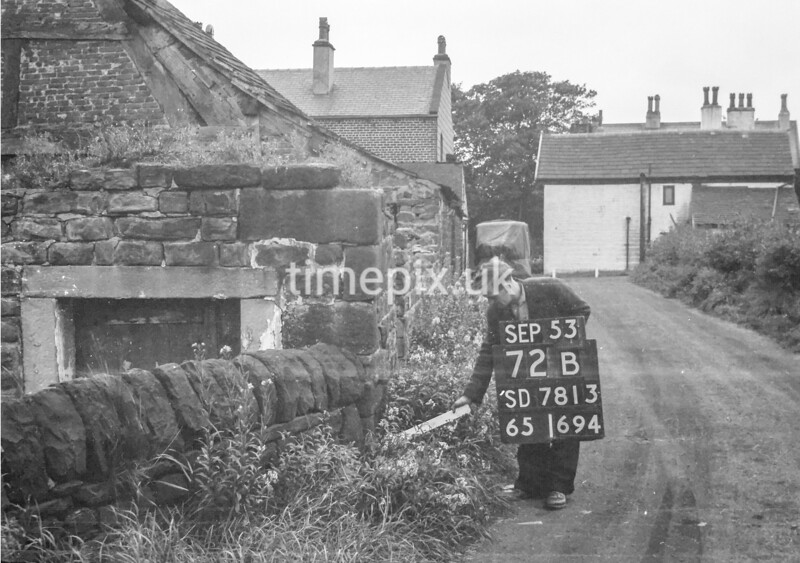 SD781372B, Ordnance Survey Revision Point photograph in Greater Manchester