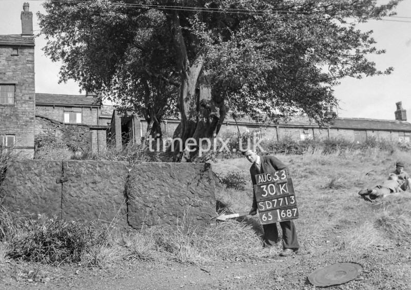 SD771330K1, Ordnance Survey Revision Point photograph in Greater Manchester