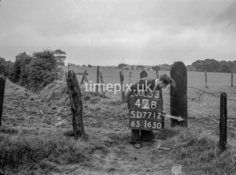 SD771242B, Ordnance Survey Revision Point photograph in Greater Manchester