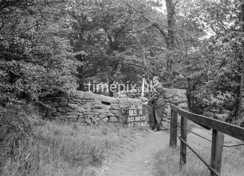 SD821205A, Ordnance Survey Revision Point photograph in Greater Manchester