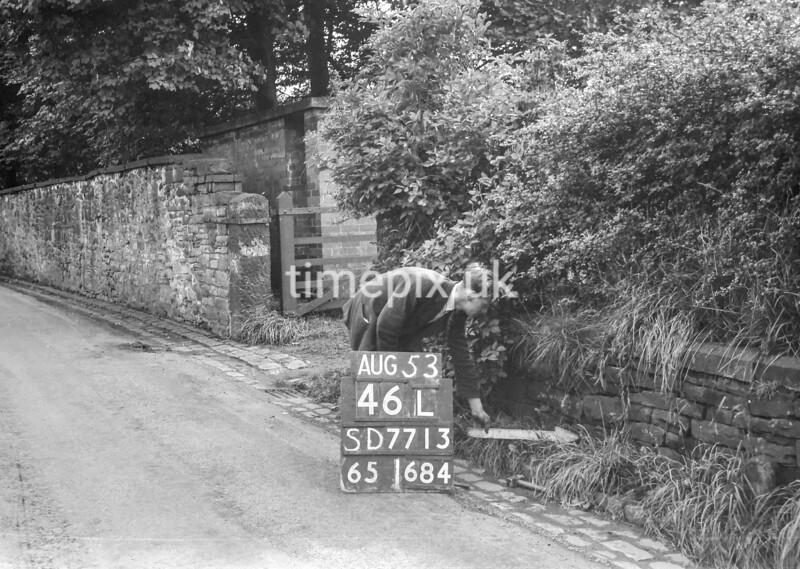 SD771346L, Ordnance Survey Revision Point photograph in Greater Manchester