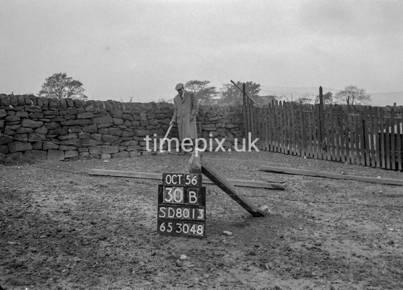 SD801330B, Ordnance Survey Revision Point photograph in Greater Manchester