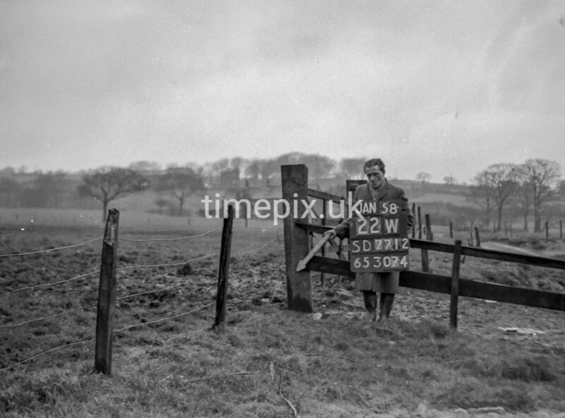 SD771222W, Ordnance Survey Revision Point photograph in Greater Manchester