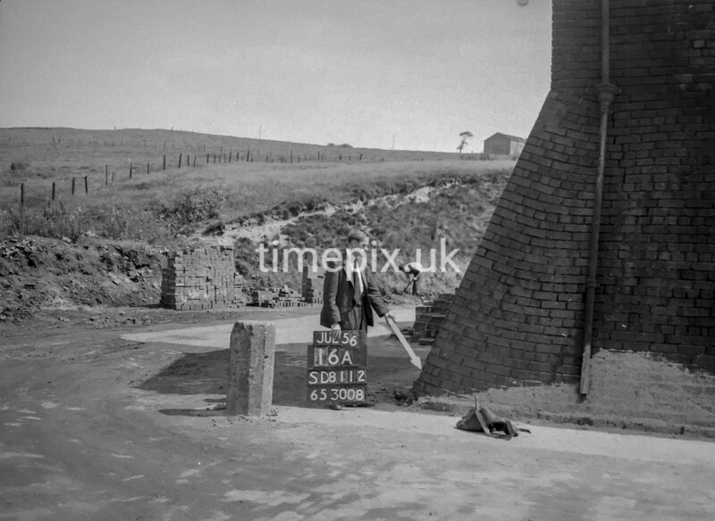 SD811216A, Ordnance Survey Revision Point photograph in Greater Manchester