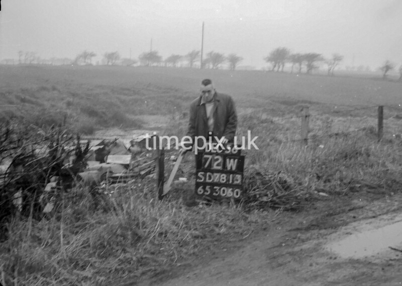 SD781372W, Ordnance Survey Revision Point photograph in Greater Manchester