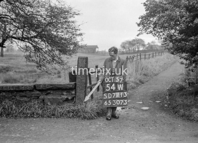 SD771354W, Ordnance Survey Revision Point photograph in Greater Manchester