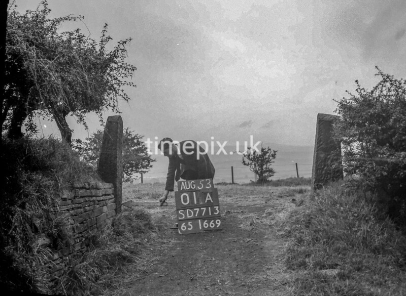 SD771301A, Ordnance Survey Revision Point photograph in Greater Manchester