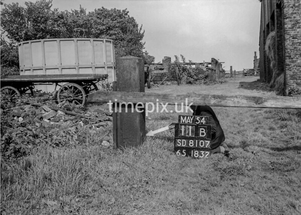 SD810711B, Ordnance Survey Revision Point photograph in Greater Manchester