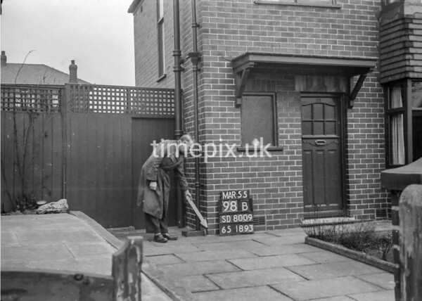 SD800998B, Ordnance Survey Revision Point photograph in Greater Manchester