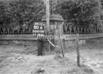 SD810900B, Ordnance Survey Revision Point photograph in Greater Manchester