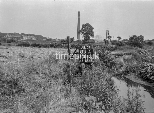 SD810803A2, Ordnance Survey Revision Point photograph in Greater Manchester