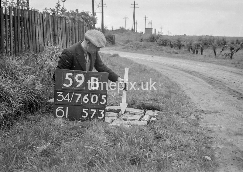 SD760559B, Ordnance Survey Revision Point photograph in Greater Manchester