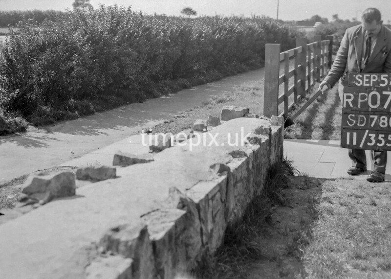SD780007B, Ordnance Survey Revision Point photograph in Greater Manchester