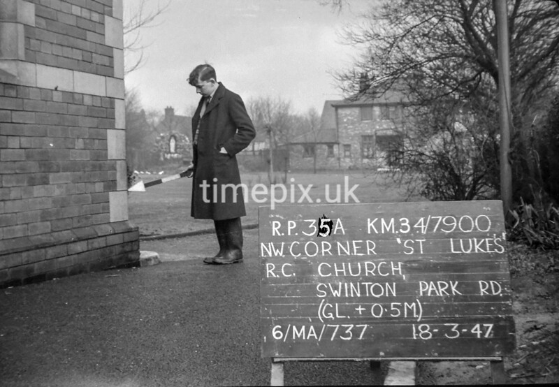 SD790035A, Ordnance Survey Revision Point photograph in Greater Manchester