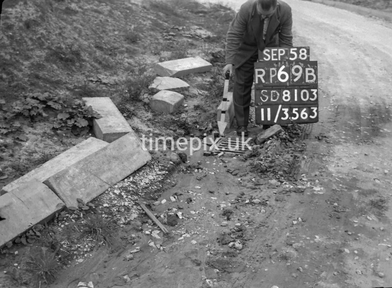 SD810369B2, Ordnance Survey Revision Point photograph in Greater Manchester