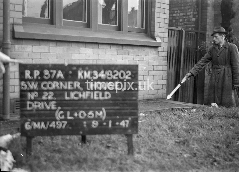 SD820237A, Ordnance Survey Revision Point photograph in Greater Manchester