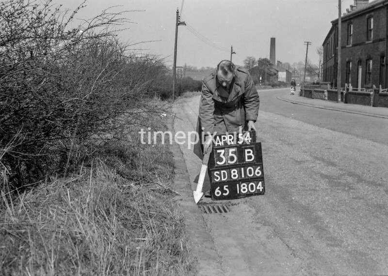 SD810635B, Ordnance Survey Revision Point photograph in Greater Manchester