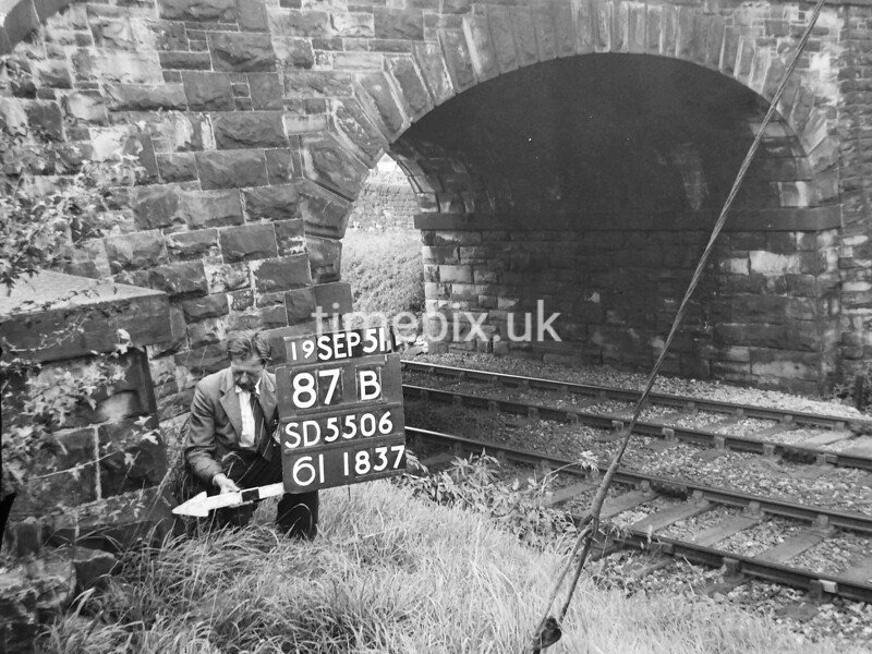 SD550687B, Ordnance Survey Revision Point photograph in Greater Manchester