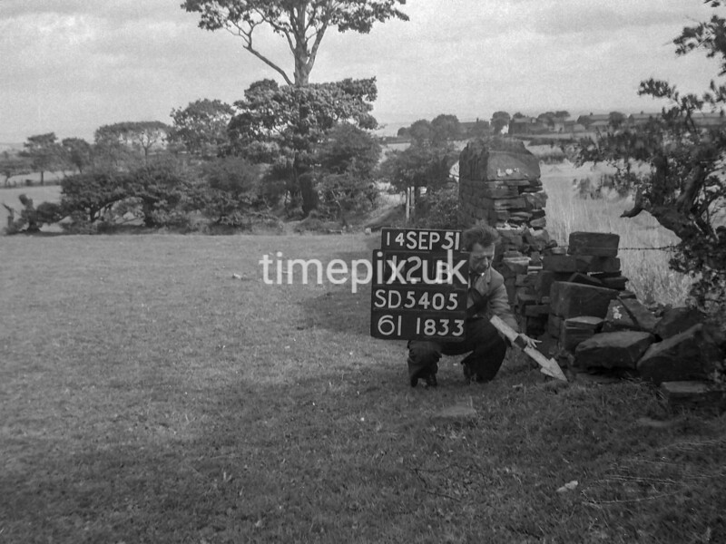 SD540512B, Ordnance Survey Revision Point photograph in Greater Manchester