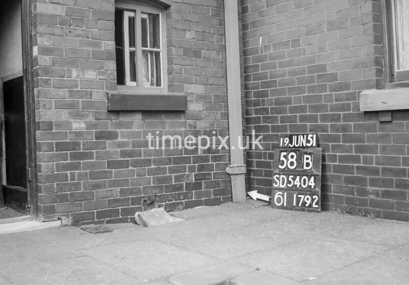 SD540458B, Ordnance Survey Revision Point photograph in Greater Manchester