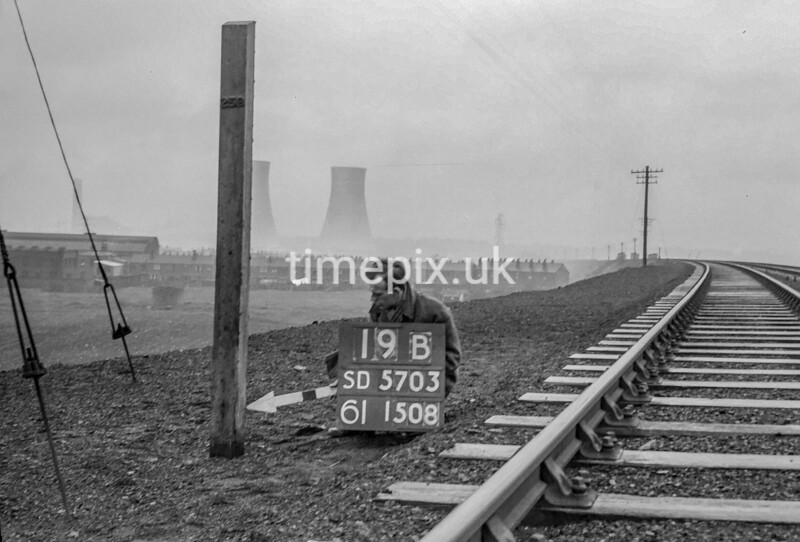 SD570319B, Ordnance Survey Revision Point photograph in Greater Manchester