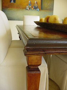 Reclaimed hardwood dining table be Maison e Maison.