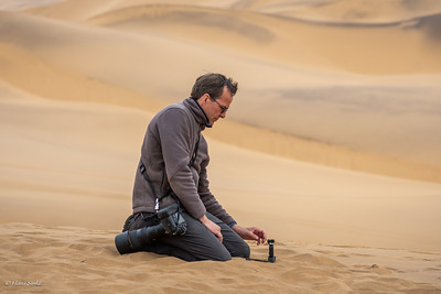 Setting up the Osmo pocket for a panorama of the dunes.