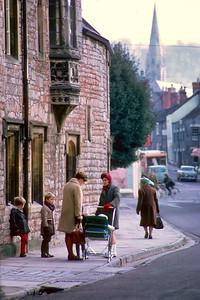 700410 Wells England Street Scene 6-28
