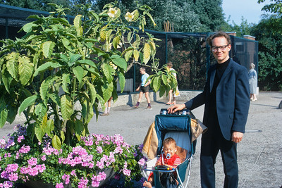 700819 Jim & Jamie at West Berlin Zoo 12-31