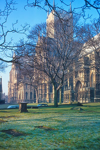 700104 Lincoln Cathedral East Side 1-18