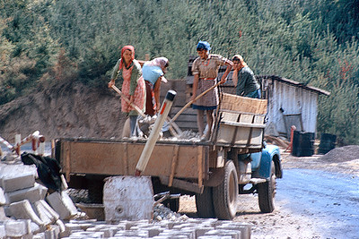 700905 Road Crew Rural Romania 17