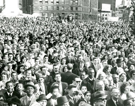 Crowds in Niagara Square for JFK's speech
