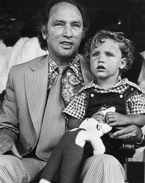 Pierre Elliot Trudeau et son fils, 1976