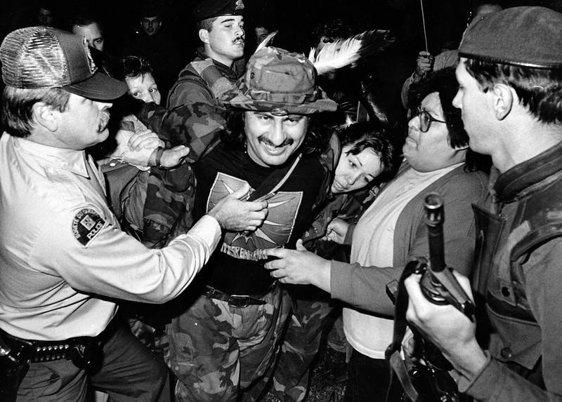 Arrestation de l'un des warriors en Septembre 1990
