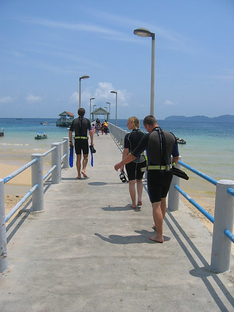 Going out for the dive - P. Tioman '06 (photo by: Anka)