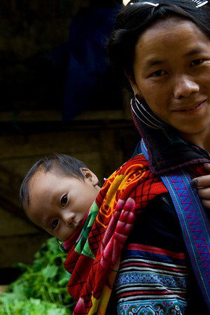 H'mong woman with child - Sapa market - Sapa, Vietnam '08