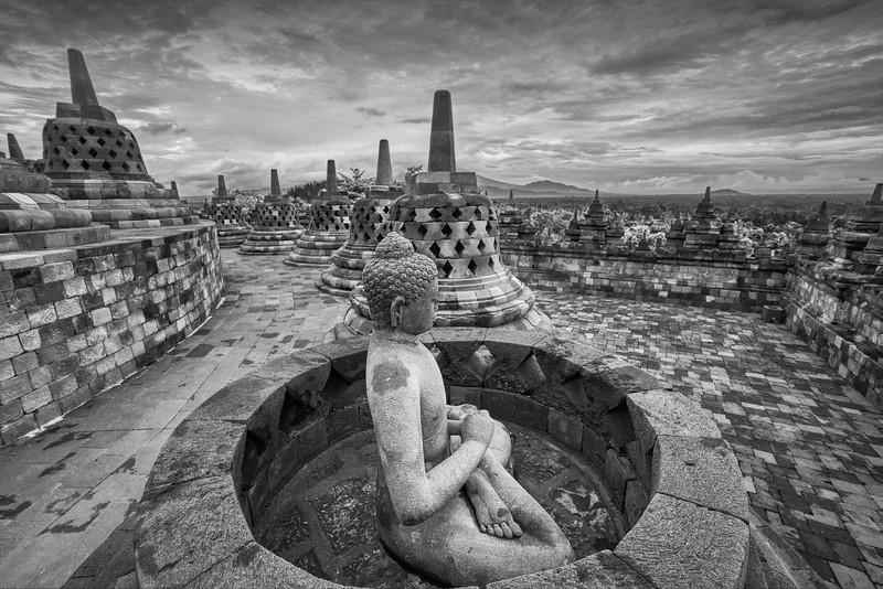 20150103KW-Borobudur_Noir