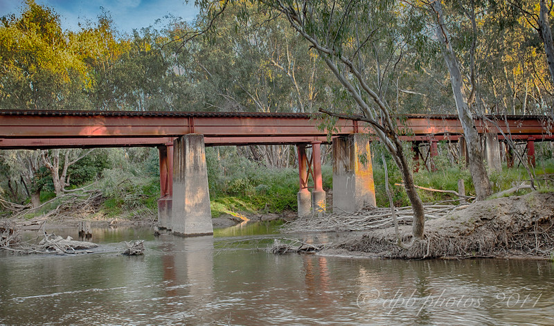 Ovens River Rail Crossing