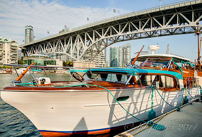 """The """"Vintage"""" a 35' 1956 Wooden Hull Chris Craft"""