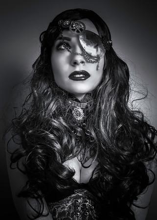 Model:  Michaela Mašátová